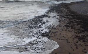 Waves driving shingle up the beach at Ramsgate
